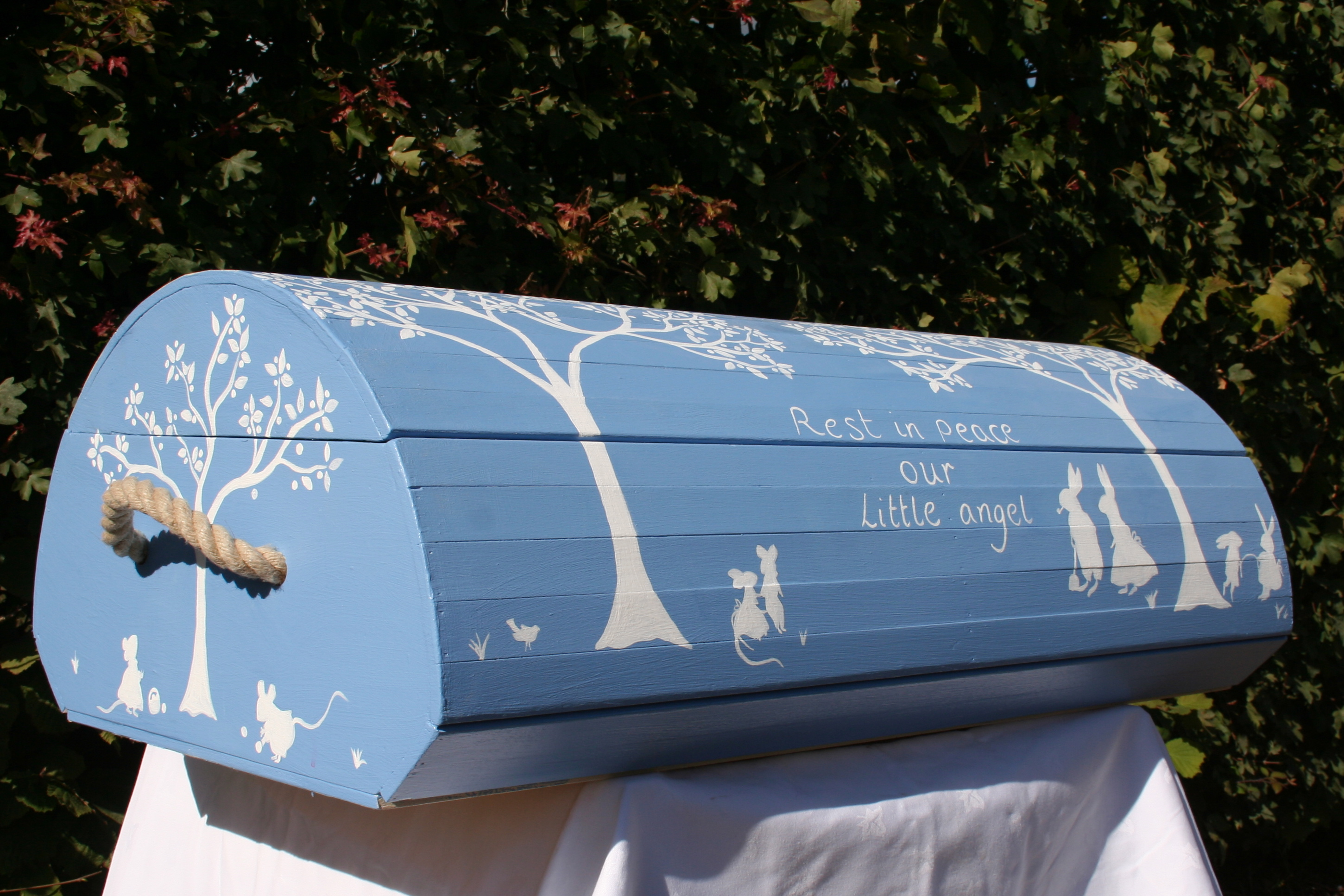 Coffins Pebbles And Shrouds Evelyn S Funerals